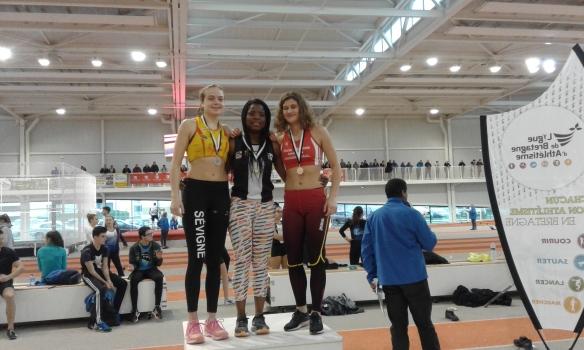 agathe-guillemot-podium-poids-juniors